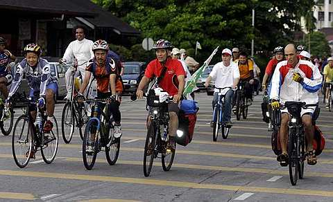 Hanoi biking tour 1 day