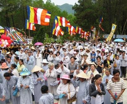 Large crowds enjoy Quan The Am Festival-1