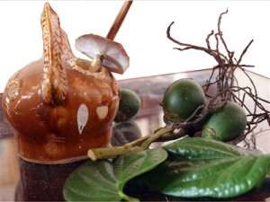 Vietnam culture - Customs of Chewing Betel and Areca Nuts and smoking thuoc lao