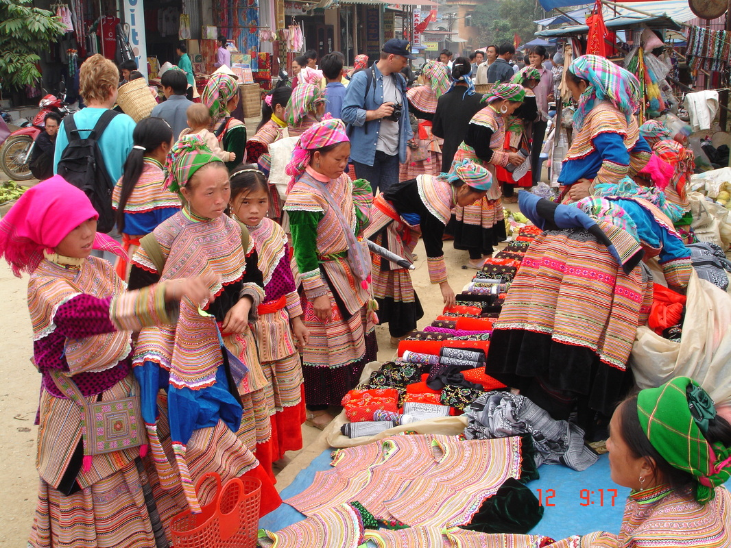 Bac Ha market – special cultural feature in Lao Cai-1-2